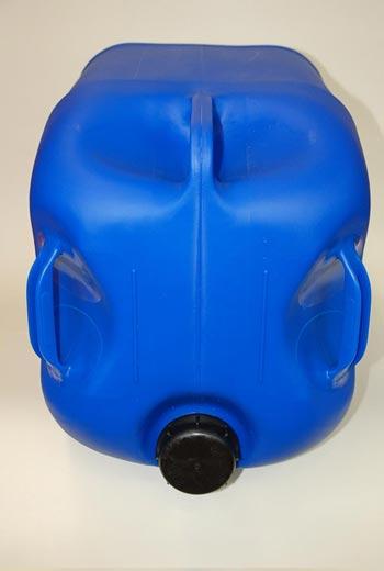 60 liter kanister mit 3 griffen blau ausgie er flexibel lang din71. Black Bedroom Furniture Sets. Home Design Ideas